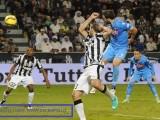 Il 28enne argentino Gonzalo Higuain, attaccante del Napoli, è il nuovo re dei bomber della Serie A di calcio, grazie al record di 36 gol in 35 partite stabilito nella stagione 2015-16 (Foto: credits to www.sscnapoli.it)
