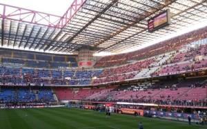A causa dell'emergenza Covid19, oggi allo stadio Meazza (in foto) è andato in scena il match di serie A Milan - Genoa, anche se  desolatamente a porte chiuse e con rigidi protocolli sanitari per gli addetti ai lavori