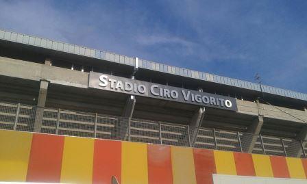 Il Benevento torna in Serie A dopo 2 anni. La cavalcata vincente: 76 punti in 31 giornate. Campionato cadetto dominato