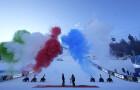 """I colori di Italia e Francia, 'sparati' dai cannoni sulla pista di Cortina durante la cerimonia di chiusura dei  46esimi campionati del Mondo di sci alpino segnano simbolicamente il passaggio di testimone tra la località veneta e il comprensorio sciistico Courchevel-Meribel, il territorio che nel febbraio 2023 ospiterà l'edizione n° 47 dei """"Alpine Ski World Championships"""" (Foto: credits GIO AULETTA@ Cortina2021)"""