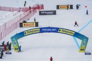 Mondiali Cortina 9 febbraio 2021: sulla pista di SuperG Olympia Tofane stamattina, con l'ex sciatrice della nazionale italiana Johanna Schnarf, prima che si abbassasse la nebbia nella zona alta (VIDEO)